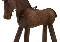 Hest, valnød.