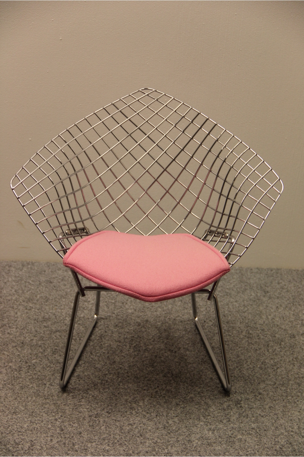 diamond chair knoll. Black Bedroom Furniture Sets. Home Design Ideas