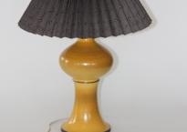 Gul keramisk bordlampe